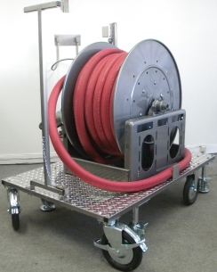 Portable cleaning station with hose reel